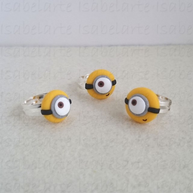 Ring inspired by Minion