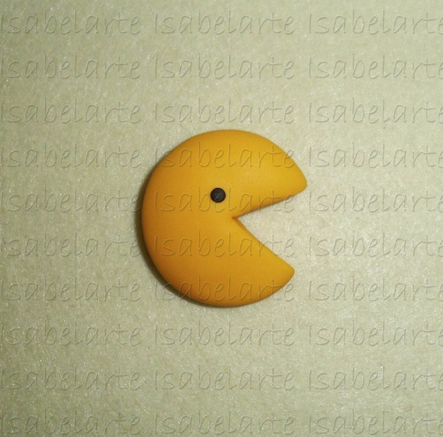 Brooch inspired by PacMan