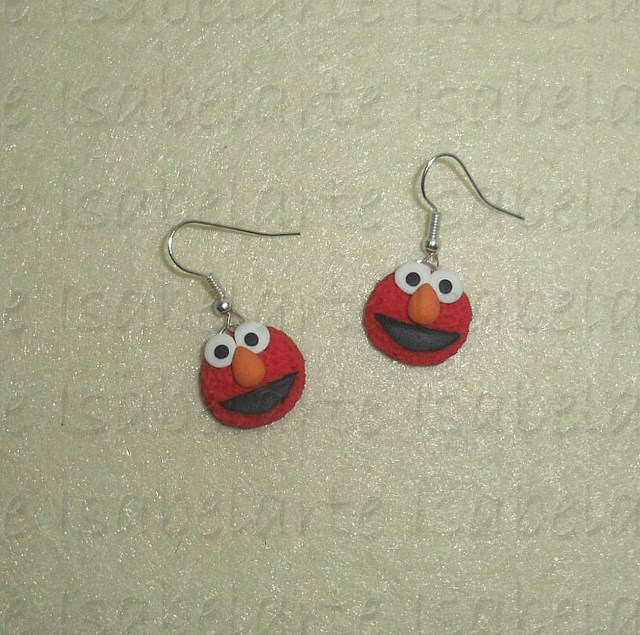 Earrings inspired by Elmo