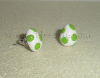 Earrings inspired by Yoshi egg